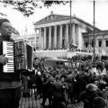 13 апреля 1945 года советские войска освободили Вену