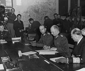 Гамбит, который не удался. 7 мая 1945 года был подписан акт о капитуляции Германии