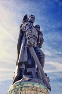 Монументы Великой Победы