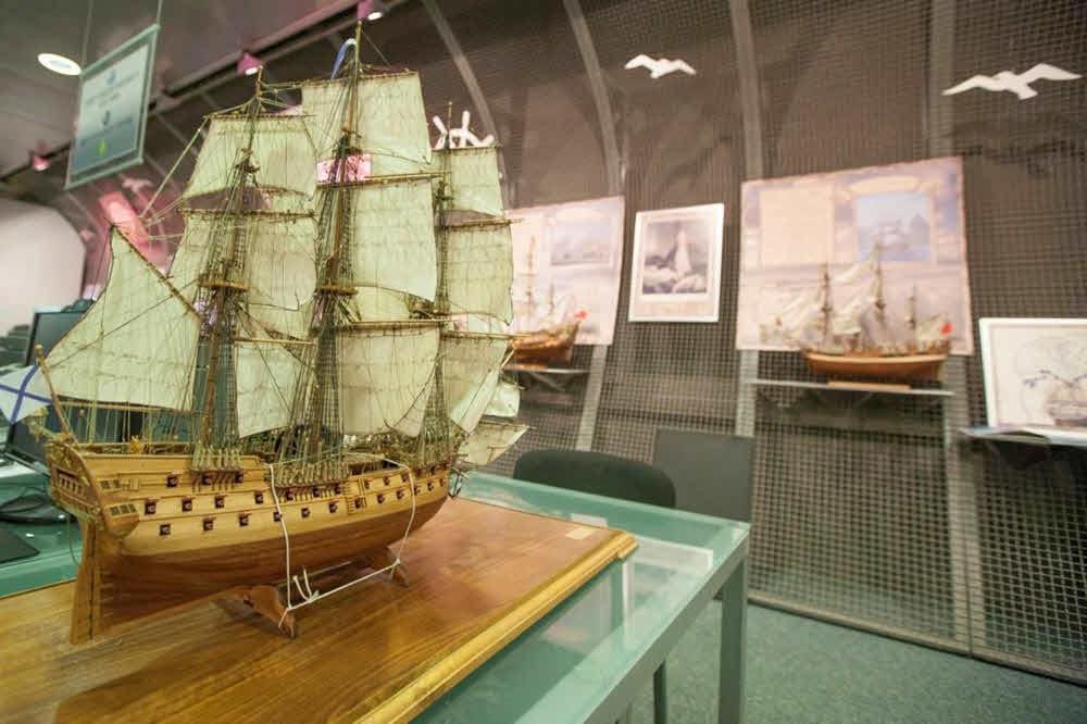 27 сентября 1783 года спущен первенец Черноморского флота России - парусный корабль «Слава Екатерины»
