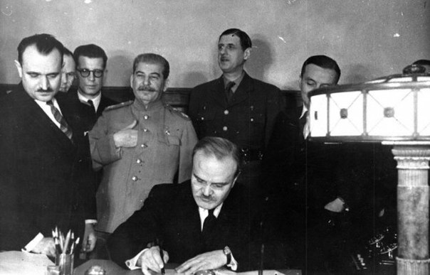 Как Сталин подарил Франции независимость