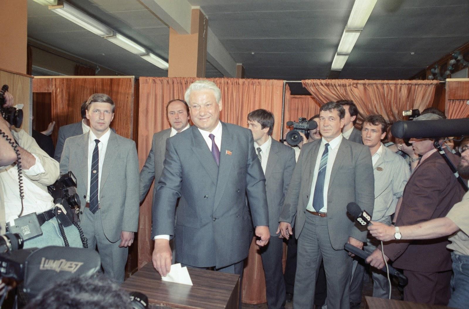 12 июня 1991 года - первые в российской истории выборы президента