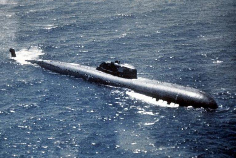 Как подлодка СССР протаранила авианосец США