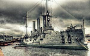 24 мая 1900 года спущен на воду крейсер «Аврора», будущий символ Октябрьской революции