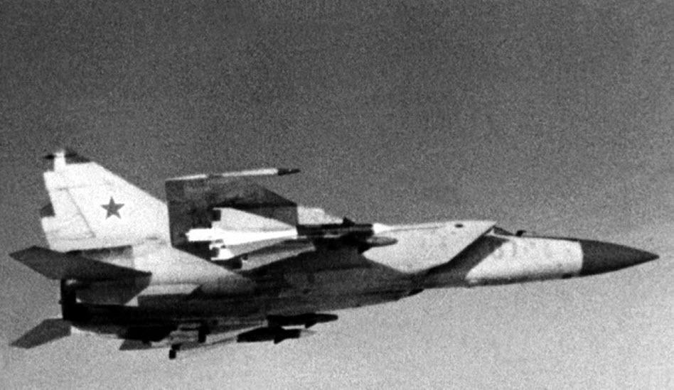 Как советский МиГ-25 над Израилем предотвратил ядерную войну