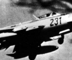 В небе ГДР: советские МиГ-19 сбили самолет-шпион RB-66