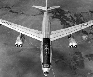 Как МиГ-17 «поздравили» самолет-шпион США с Днем Победы в 1954 году