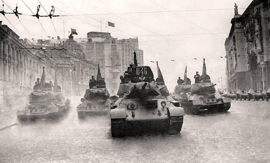 И танки наши быстры: Кантемировская дивизия на Красной площади